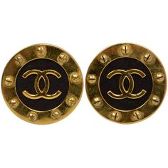 Pre-owned CHANEL Vintage '93 Gold Disk Clip On Earrings (2,780 MYR) ❤ liked on Polyvore
