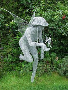 A 45 yr old artist wire sculptor from the British Isles... Derek Kinzett's wire art is amazing.