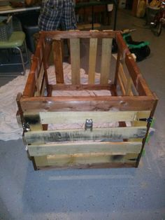 Wooden dog crates decorative solid wood made in the usa for Pallet dog crate