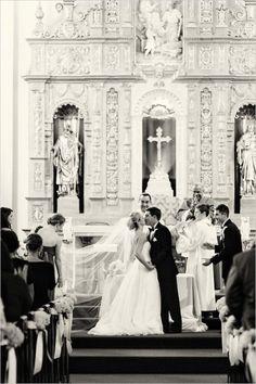 As 15 fotos de beijos em casamentos mais pinadas | Revista iCasei