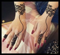 Best Mehndi Designs for Fingers – Henna Finger Ideas Finger Tattoo Designs, Henna Tattoo Designs, Henna Finger Tattoo, Hand Tattoos, Henna Hand Designs, Tattoo Henna, Modern Mehndi Designs, Mehndi Design Pictures, Mehndi Designs For Girls