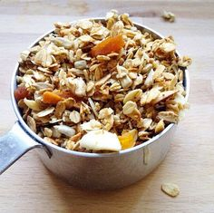 Easy Homemade Granola with Cinnamon Bark essential oil | Spark Naturals #essentialoil #essentialoils #granola #madefromscratch
