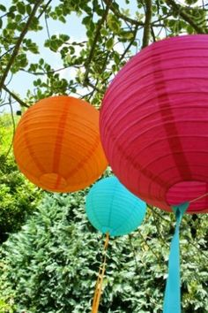 Google Image Result for http://www.littlemisswedding.co.uk/wp-content/uploads/2009/09/wedding-lanterns-coloured-1.jpg