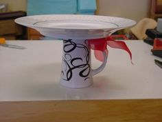 great to give baked goods on--two gifts in one, a cake stand and the cake!