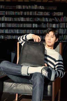 Park Bo Gum for Mandarina Duck Park Bo Gum Wallpaper, Park Go Bum, Handsome Korean Actors, Kim Yoo Jung, Kdrama Actors, Korean Celebrities, Celebs, Kpop, Asian Boys