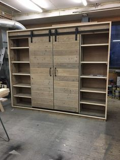 Armoire Dressing, Dressing Room Closet, Diy Furniture Plans, Woodworking Furniture, Homemade Closet, Home Crafts, Diy Home Decor, Interior Sliding Barn Doors, Loft