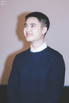 D.O - 161204 'Hyung' relay stage greeting Credit: LucirChen. ('형' 릴레이 무대인사)