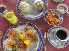 La gastronomie sri lankaise nous a totalement conquis par ses épices et ses saveurs ! Voici ce que vous devez absolument goûter si vous allez au Sri Lanka !