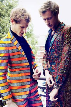 Dent de Man is a menswear brand with the core purpose of providing sartorial elegance through classic african printed suits and trousers. The brand seeks to mix traditional menswear tailoring and soulful print choices for the contemporary gentleman with style.