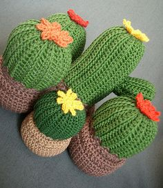 Items similar to Medium cactus on Etsy Easy Knitting Patterns, Crochet Patterns Amigurumi, Crochet Dolls, Crochet Stitches, Crochet Cactus, Diy Crochet, Crochet Flowers, Cactus Craft, Crochet Home Decor