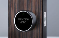 Novas fechaduras apresentadas na CES 2014 são capazes de detectar quando o smartphone do dono da casa se aproxima e abrir a porta. Conheça opções práticas e seguras para substituir a maneira tradicional de entrar em casa no G1.