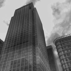Feeling ever so very small - Canary Wharf on a gloomy afternoon #london #ig_london #city_enthusiasts #britishsnaps #london_only #timeoutlondon #shutup_london #topphoto #architecture #skyscraper #bnw #blackandwhite #monochrome #london_enthusiast #citybestpics #london_masters #ig_londonphotographers #ukpotd #uk_enthusiasts #photosoflondon #london4all #bestukpics #architecturelovers #lo_countdown #ldn4all_supermeets by tingram81