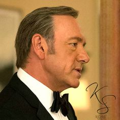 """Kevin Spacey """"House of Cards"""" I am obsessed with noses,I am really fussy about it but he has definitely a pretty good nose :-) ahahah Frank Underwood, Kevin Spacey, Daddy Issues, I Still Love You, House Of Cards, Pretty, People, People Illustration"""