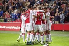 Ajax heeft de wedstrijd tegen FC Groningen met 2-0 gewonnen. De Amsterdammers kwamen in de eerste helft via een vrije trap van Nemanja Gudelj op voorsprong. Na een flink aantal kansen was het invaller Viktor Fischer die de score wist te verdubbelen.