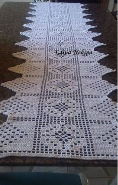 Crochet Mat, Crochet Squares, Crochet Doilies, Crochet Stitches, Crochet Designs, Crochet Patterns, Crochet Table Runner Pattern, Coat Patterns, Chrochet
