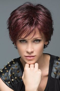 Wig Features: Monofilament Crown Be open for something stunning and new! This short, ultra textured style has unlimited styling options. Style back away from the face for a feminine flirty look or, spike it up to enhance the beautifully cut layers for a m Short Hair Syles, Curly Hair Styles, Pixie Cut Mittellang, Short Hair With Layers, Short Hair Cuts For Women, Short Textured Hair, Short Fringe, Really Short Hair, Short Pixie Haircuts