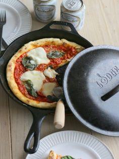 自家製トマトソースでマルゲリータ