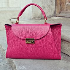 #the5thelementbags #rosettishowroom #leather #handbag #fuchsia #elephantprint
