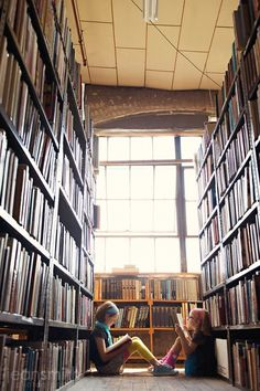 Bookstore photoshoot.. I would adore this with the Diva