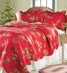 Holly Red Holiday Quilt Bedding | Dark red, Patchwork and Navidad : the cotton quilt - Adamdwight.com