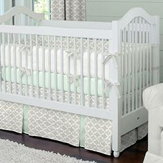 Carousel Designs French Gray and Mint Quatrefoil Two-piece Crib Bedding Set