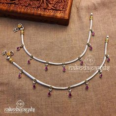 Payal Designs Silver, Silver Anklets Designs, Gold Mangalsutra Designs, Anklet Designs, Silver Payal, Jewelry Design Earrings, Gold Earrings Designs, Anklet Jewelry, Silver Anklets Online