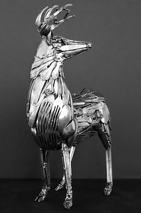 The time he spends on each sculpture varies from hours to months, depending on the size and detail. | These Animal Sculptures Made Entirely Out Of Cutlery Will Amaze You