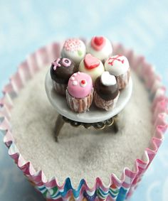 valentine's day cupcake plate ring
