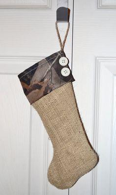 Omg! Im so making these one for me and eric and the dogs lol Burlap and Camo Christmas stocking!