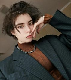 Tomboy Hairstyles, Pretty Hairstyles, Shot Hair Styles, Curly Hair Styles, Cut My Hair, New Hair, Hair Inspo, Hair Inspiration, Androgynous Haircut