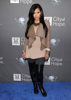 Kim Kardashian - City of Hope Honors Shelli And Irving Azoff With The 2011 Spirit Of Life Award - Red Carpet