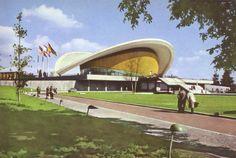 Die Kongreßhalle, der amerikanische Beitrag zur INTERBAU, Architekt Hugh Stubbins, USA, Mitarbeiter Werner Düttmann und Franz Mocken, Berlin 1958  #Berlin #schwangere Auster