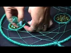Como hacer un Atrapasueños atrapado//DIY Dreamcatcher - YouTube Moon Dreamcatcher, Dreamcatchers, Making Dream Catchers, Diy Paso A Paso, Dream Catcher Patterns, Dream Catcher Tutorial, Finger Knitting, Macrame Tutorial, Crochet Doll Pattern