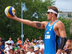 Martin Reader prepares to serve at the 2012 Canadian Beach Volleyball Trials