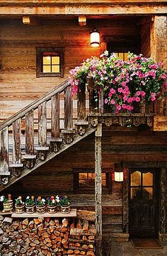 Stairs leading up to the room over the garage which will become my crafting studio, love the flower planter!!