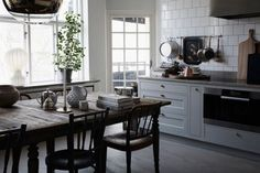 Pure beauty in the inspiring home of dear Lisa Robertz | Styling...