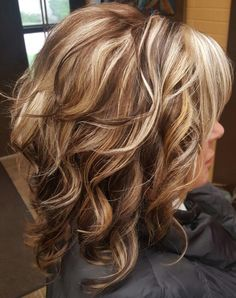 Hair And Makeup Tips, Wedding Hair And Makeup, Hair Makeup, Hair Styles For Women Over 50, Medium Hair Styles, Curly Hair Styles, Hair Highlights And Lowlights, Hair Color Highlights, Bob Hair Color