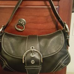 SALE!!☆COACH Genuine leather Black small purse PRICE DROP  TODAY ONLY!!!! COACH Authentic 100% small purse. 2 pocket areas inside with zipper pocket inside. Black genuine leather New Condition  Magnet front closure Great for going out! FINAL PRICE *PRICE DROP-NO TRADES PLEASE* Coach Bags Mini Bags