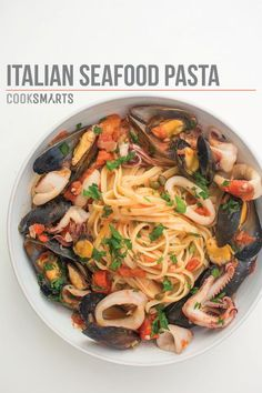 Best Italian recipes - Italian seafood pasta with mussels and calamari - Authentic and traditional Italian dishes For dinner, appetizers and simple lunches - Pasta with chicken, lasagna, noodle Calamari Recipes, Seafood Pasta Recipes, Fish Recipes, Calamari Pasta, Pasta With Seafood, Seafood Linguine, Fish Pasta, Italian Recipes, Gastronomia