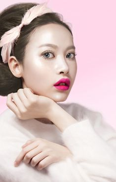 """""""Obsessed with Korean Beauty? 6 YouTube Stars & Experts You Need toKnow 