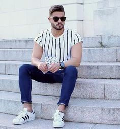 Blue jeans and Stripes! Enjoy your evening guys! #sunday #look #stripes…