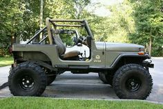 This the color I want. If can't discover it I will have to settle for the discontinued 2009 Sahara one.