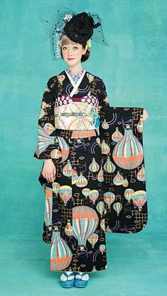 Super cute furisode kimono with hot air ballons Japanese Textiles, Japanese Fabric, Japanese Prints, Japanese Kimono, Traditional Kimono, Traditional Dresses, Japanese Outfits, Japanese Fashion, Japanese Clothing