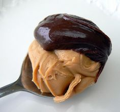 "Thx Dr. Oz: ""Peanut Butter & Chocolate--This tasty duo will satisfy even the most voracious sweet tooth. Melt a bar of dark chocolate and mix it into a jar of organic peanut butter. Leave it in the fridge so that it cools and the flavors blend. When a sugar craving strikes, have a spoon. One spoonful has 4.5 grams of sugar. Compare this to your average brownie with a whopping 30 grams of sugar, & you're well on your way to shaking your sugar habit in healthy ways you never thought possible!"""