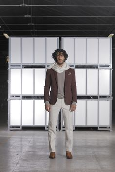 """ZEN... Non solo filosofia ma stile di vita! Un mood dove vengono esaltate le priorità che elevano la ricerca del benessere personale come obbiettivo principale. Giacca tinto capo realizzata in un cotone elasticizzato, lavorato a nido d'ape.  In abbinamento i pantaloni in Drill elasticizzato e smerigliato, per un """"touch"""" caldo e gradevole. #citytime #citytimefashion #fashion #modauomo #stileitaliano #italianstyle #giacche #class #menswear #vscofashion #fashionblogger"""