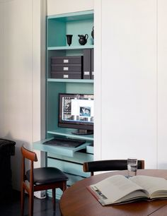 un bureau chez soi, bureau dans un placard, petit bureau déco, bureau en mezzanine, idées pour petit bureau, Lovely Market