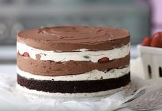 Ihmiset kutsuvat tätä juustokakkua maailman parhaaksi – en itse väitä vastaan Sweet Recipes, Cake Recipes, Chocolate Cheesecake, Piece Of Cakes, Sweet And Salty, Something Sweet, Cream Cake, Desert Recipes, Yummy Cakes