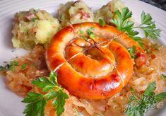 Vinná klobáska pečená na kysaném zelí se šťouchaným bramborem | NejRecept.cz Shrimp, Pineapple, Pork, Food And Drink, Meals, Fruit, Dinner, Cooking, Vegetarian