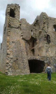 Auchindoun Castle is a 15th-century L-Plan tower castle located in Auchindoun near Dufftown in Moray, Scotland. Wikipedia