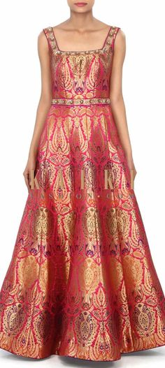 Pink dress featuring in brocade with sequin embroidery only on Kalki Saree Gown, Sari Dress, Kurta Designs, Blouse Designs, Indian Dresses, Indian Outfits, Look Short, Brocade Dresses, Indian Attire